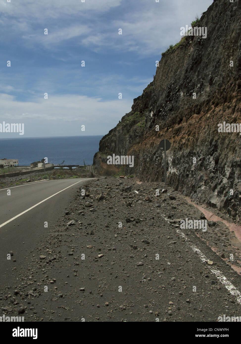 Envío de piedra en una calle de nueva construcción en el valle de La Dama en el Barranco de la Rajita, Imagen De Stock