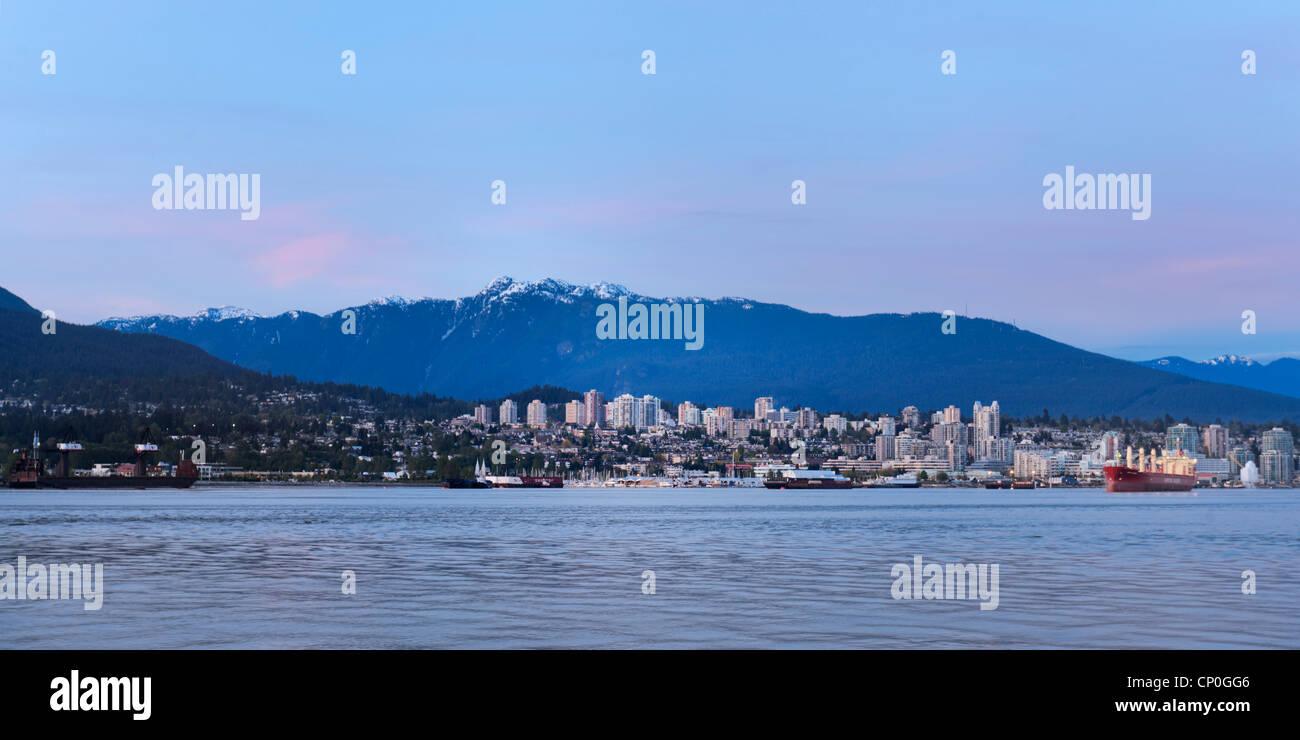 North Vancouver skyline Mt. Seymour, Canadá Imagen De Stock