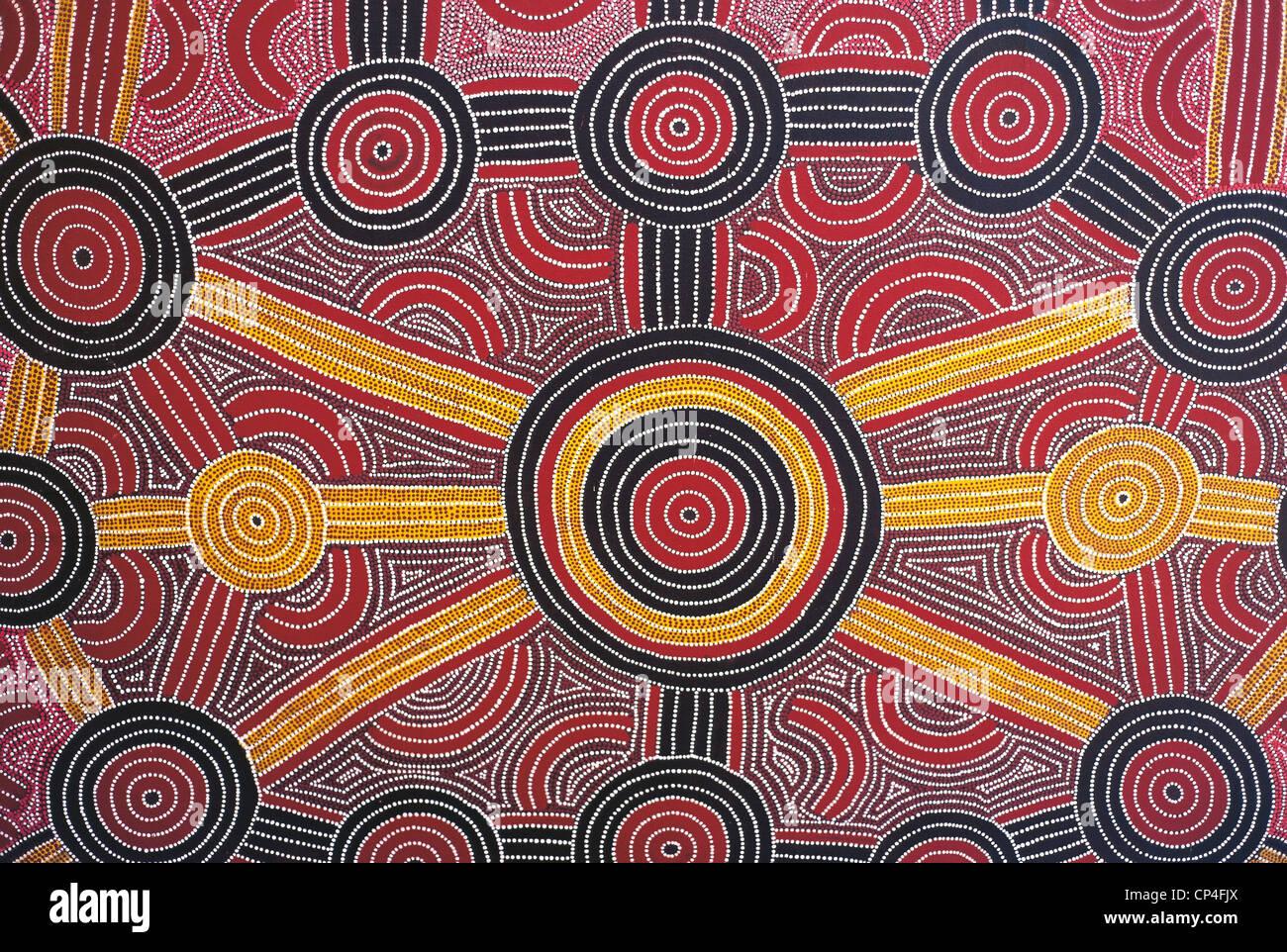 Australia - Parque Nacional de Uluru-Kata Tjuta. Pintura aborigen en el hotel Sheraton.Foto de stock