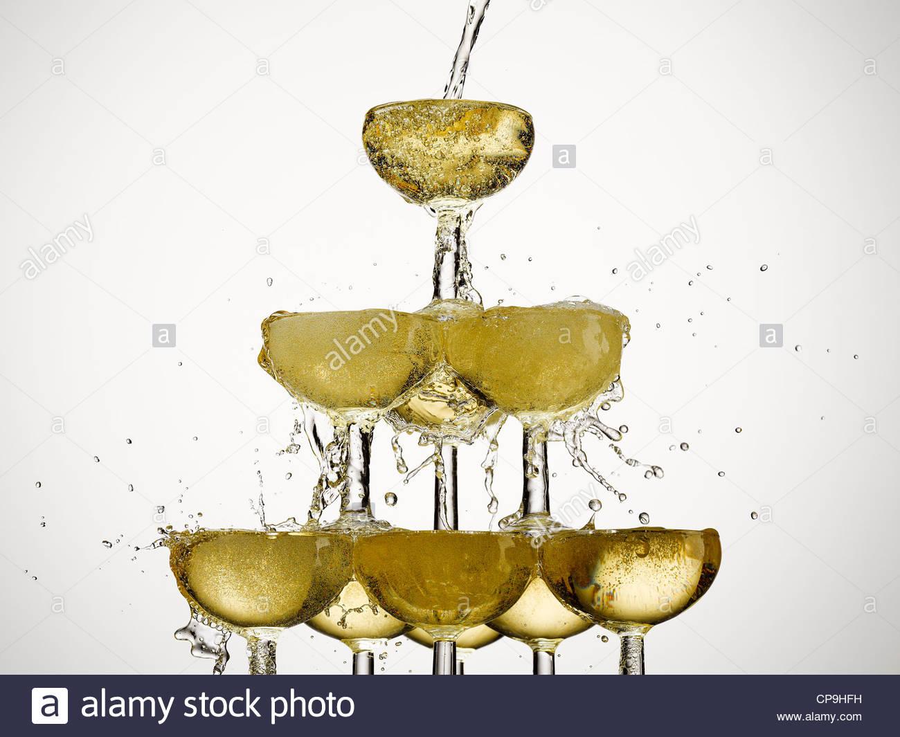 Abundancia,fiesta,champán, vaso de champán,color image,concepto,energía,exceso,exuberancia,relleno Imagen De Stock