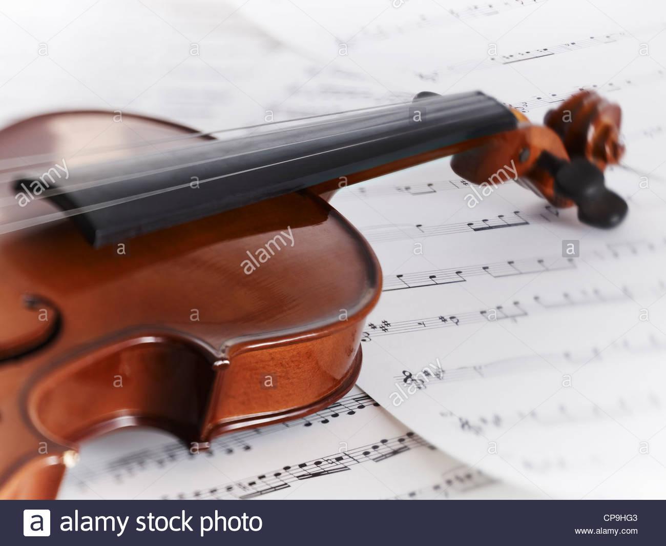 Close up,color,imagen,detalles,entretenimiento,instrumento horizontal,música,no hay personas,fotografía,partituras,solo Imagen De Stock