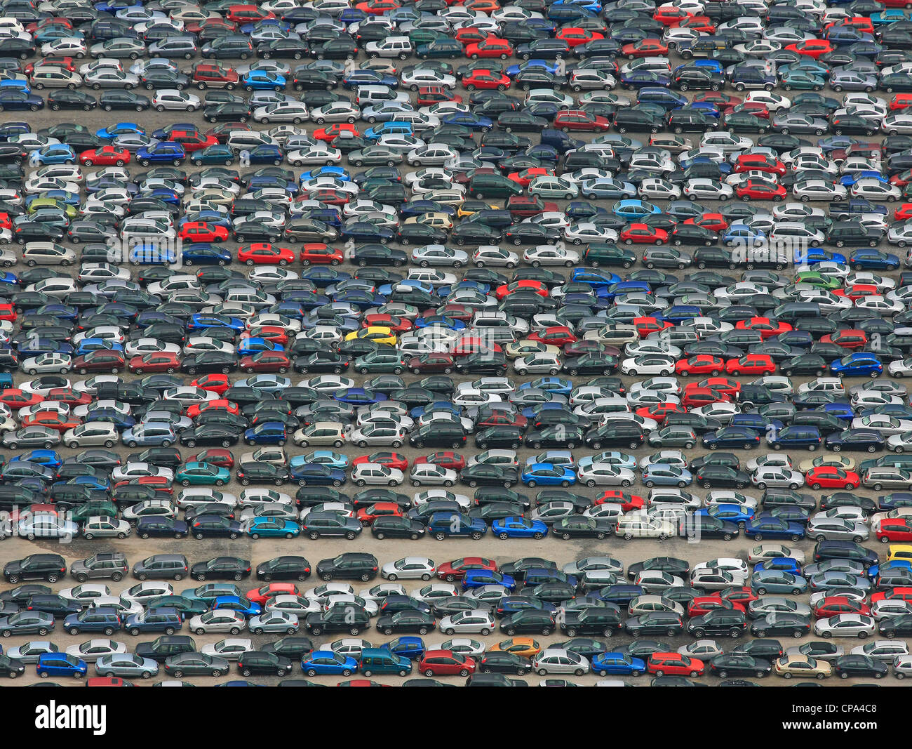 Imagen aérea de los coches en un aparcamiento Imagen De Stock