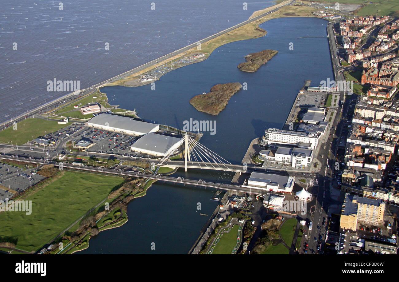 Vista aérea de la Marine Parade Bridge, Southport y la costa marina Imagen De Stock