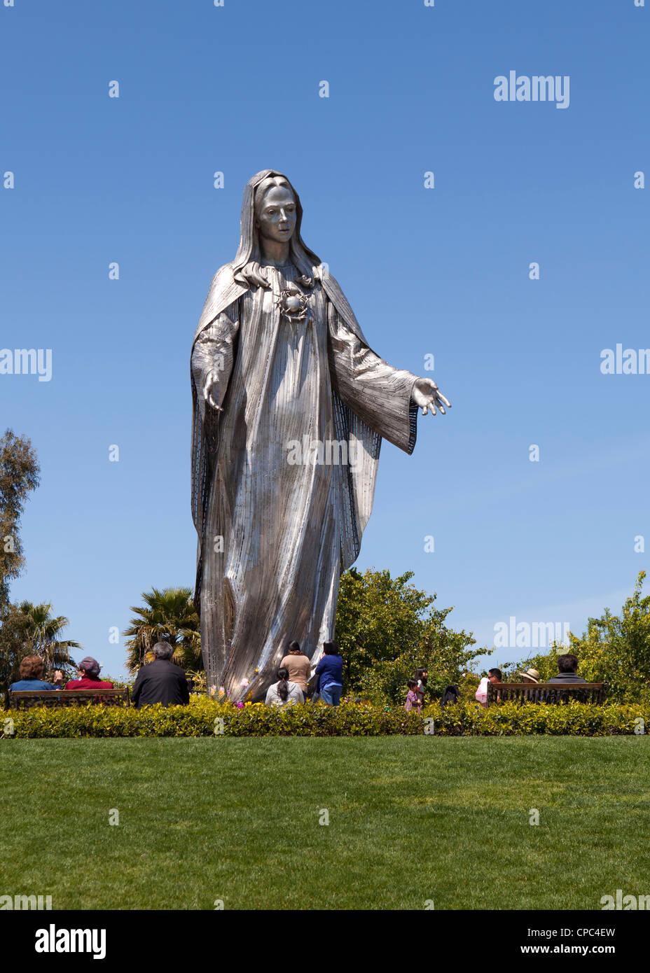 Acero inoxidable estatua de la Virgen María Imagen De Stock