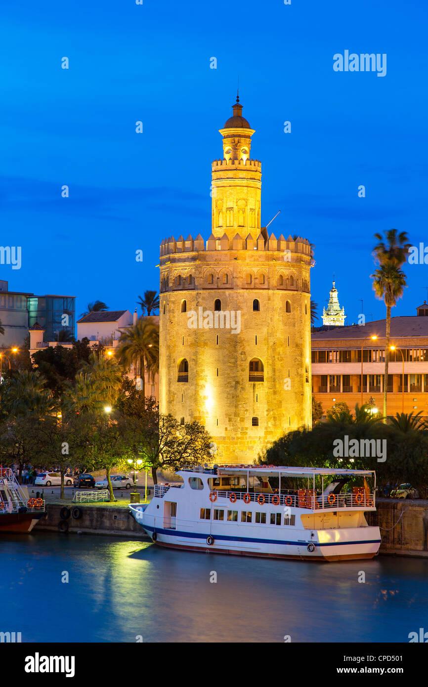 Sevilla, la Torre del Oro al atardecer Imagen De Stock