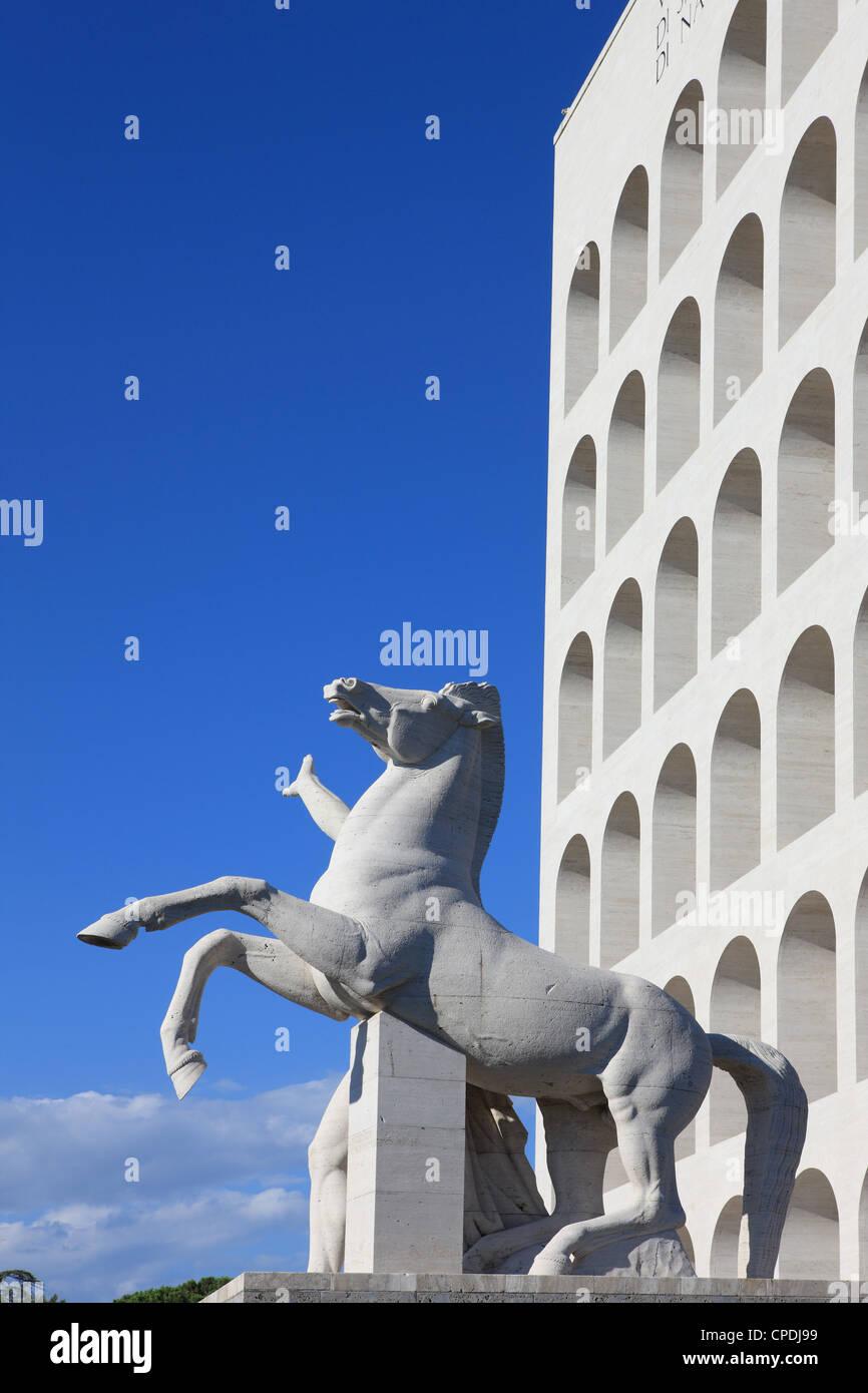 Palazzo della Civilta Italiana, EUR, Roma, Lazio, Italia, Europa Imagen De Stock