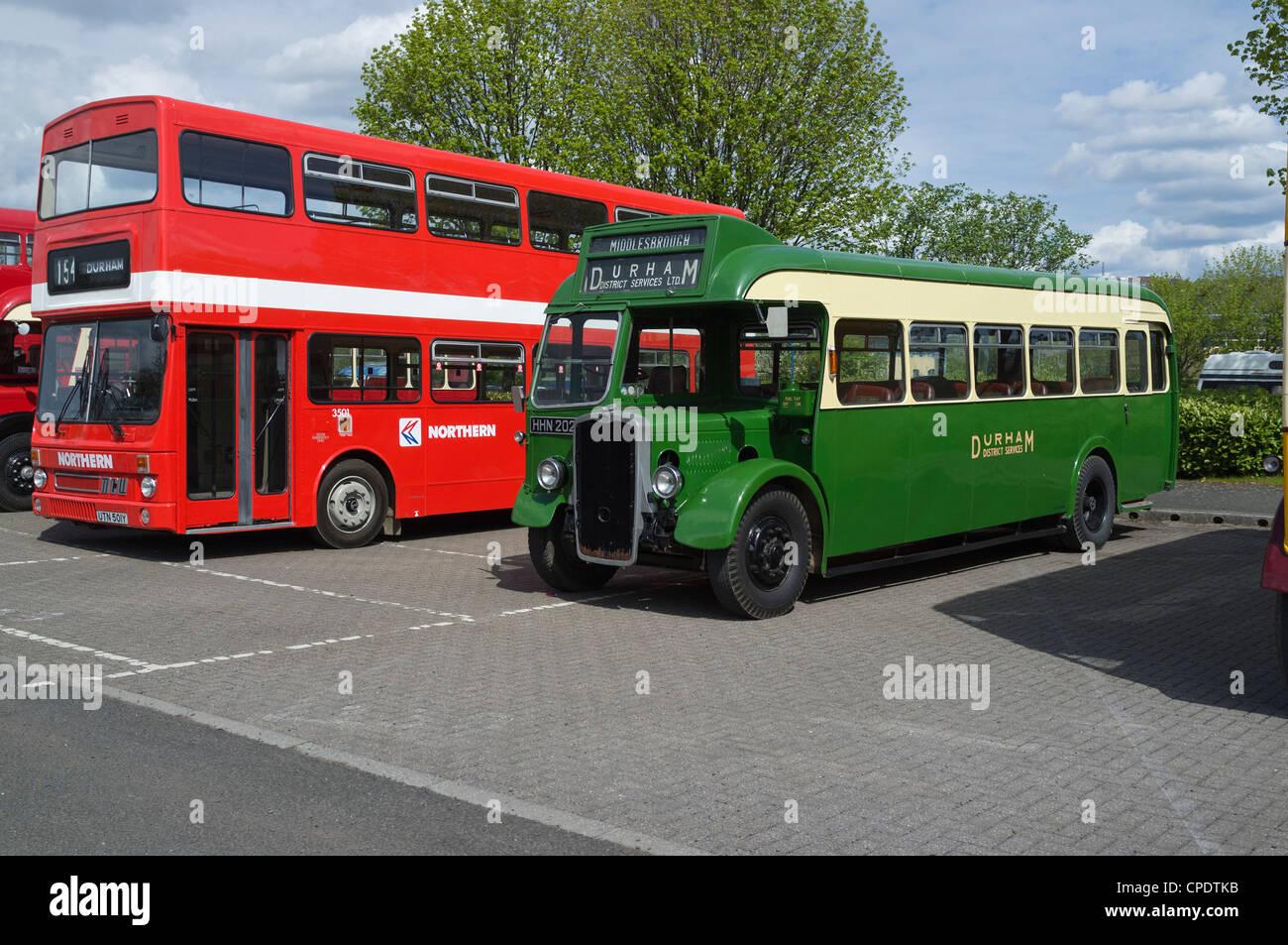 Autobuses vintage Imagen De Stock