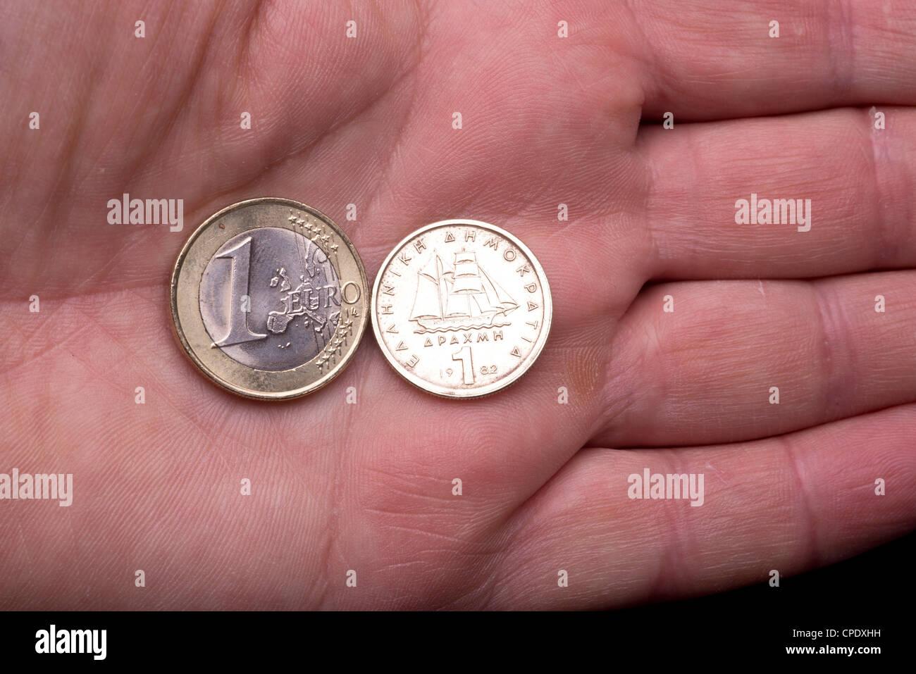 Crisis económica en Grecia, el futuro del euro. El pasaje en moneda dracma. Foto de stock