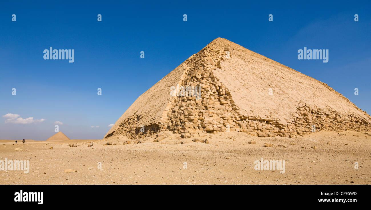 La doblada y rojo pirámides de Dahshur, Sitio del Patrimonio Mundial de la UNESCO, Egipto, el Norte de África, Imagen De Stock