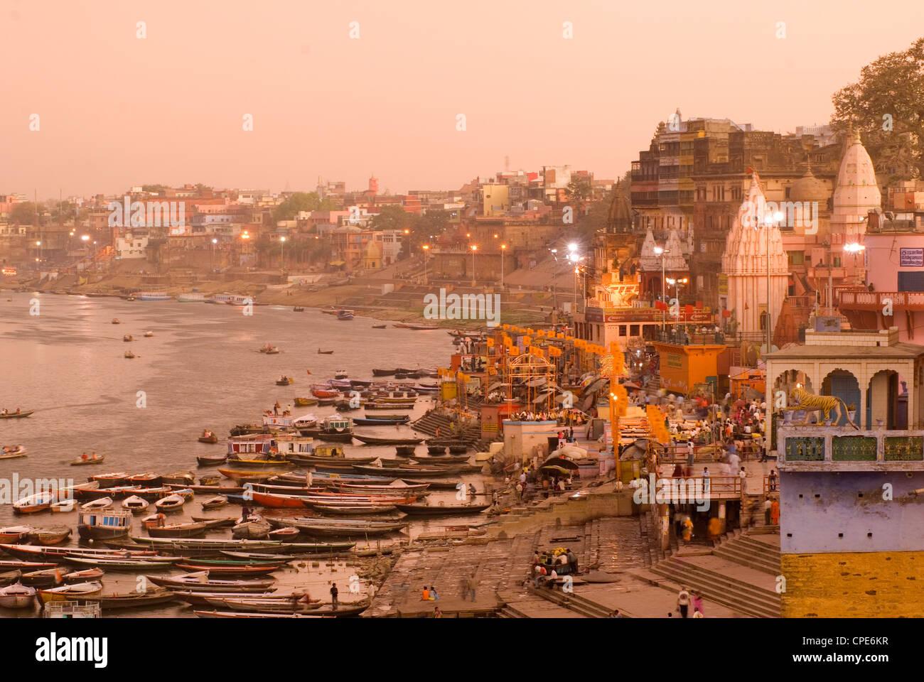 Man Mandir Ghat, Varanasi, Uttar Pradesh, India, Asia Imagen De Stock