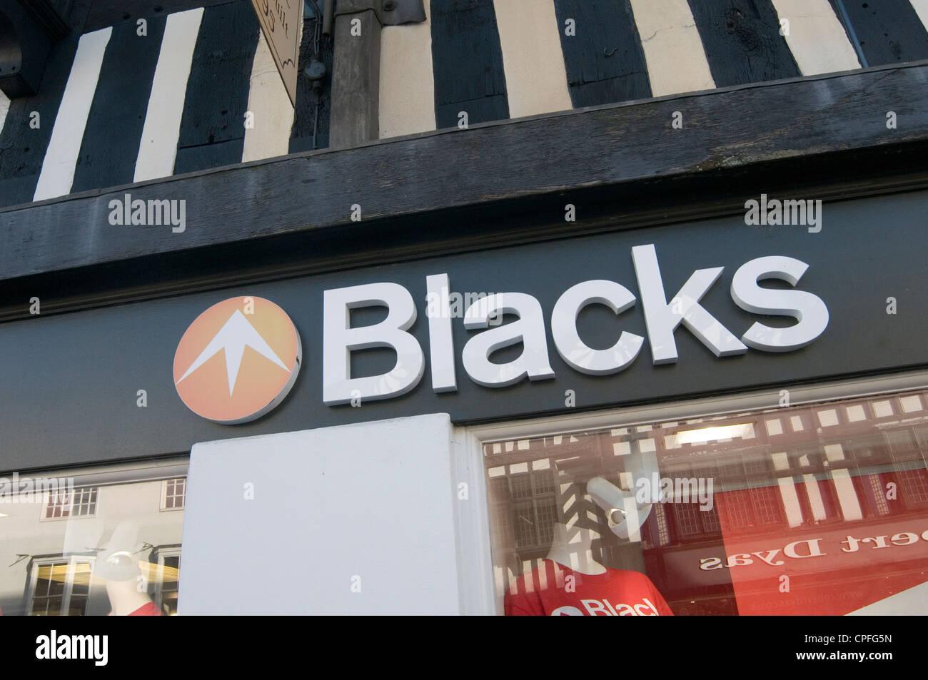 Los negros tienda de ropa exterior tienda tiendas tiendas minoristas minoristas ahora propiedad de JD sports Imagen De Stock