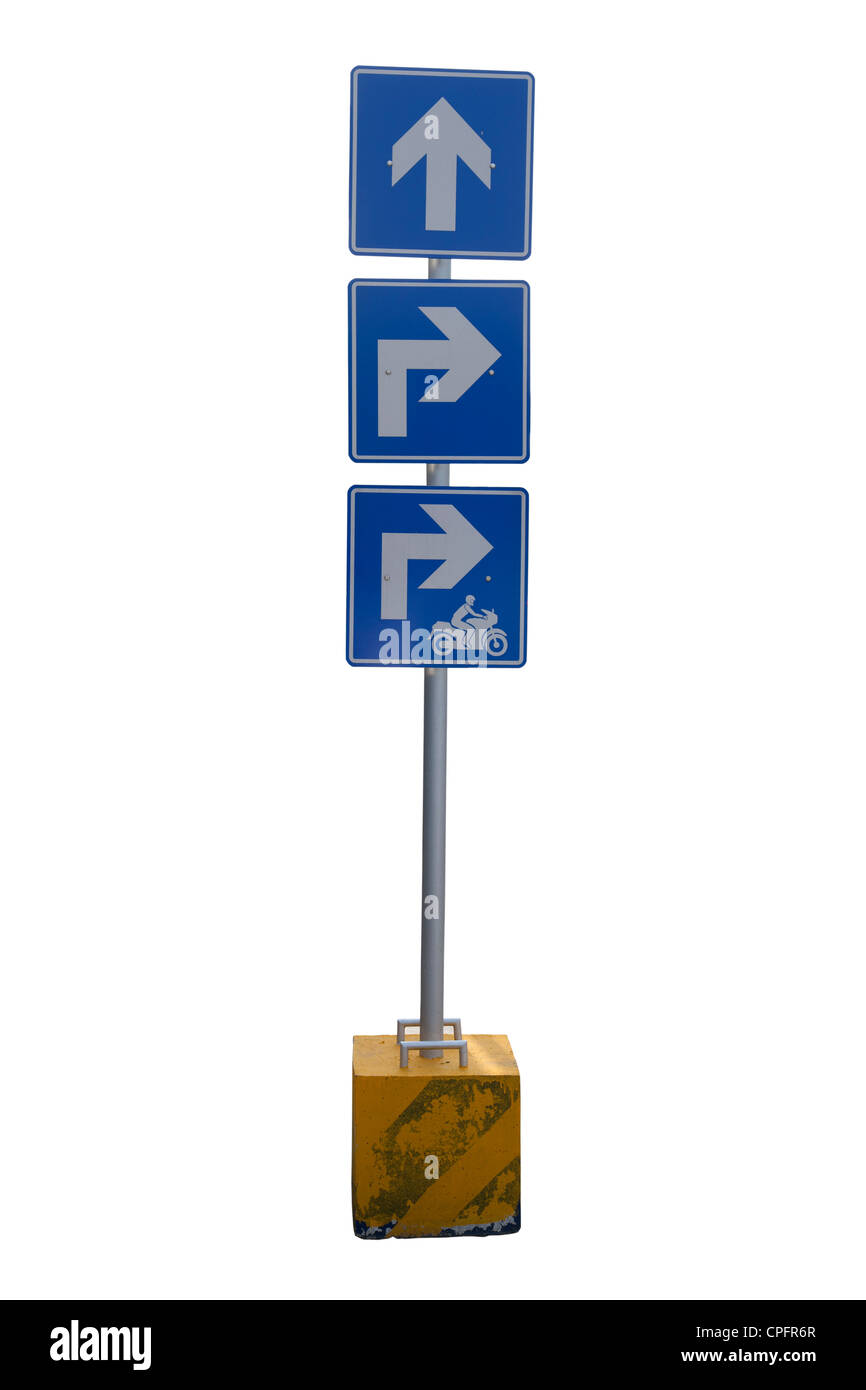 Señal de carretera de flecha azul sobre blanco Foto de stock