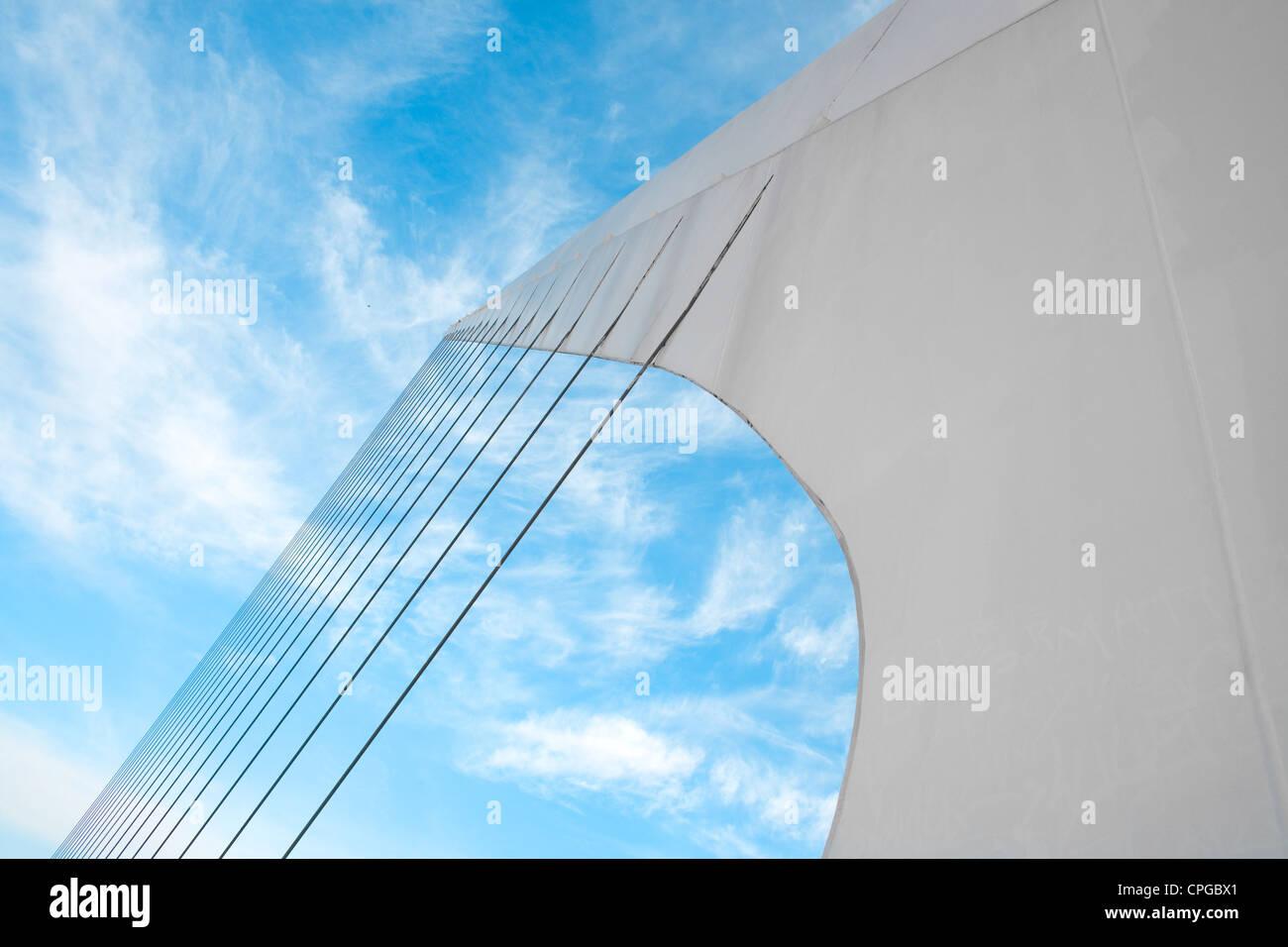 Sistema de cables de puente de la Mujer (Puente de la Mujer) diseñado por Santiago Calatrava, Buenos Aires Imagen De Stock