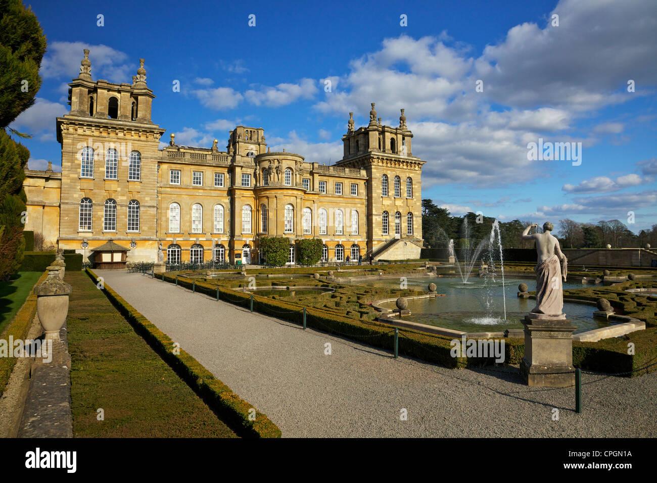 Los jardines de agua, el Palacio de Blenheim, lugar de nacimiento de Sir Winston Churchill, Woodstock, Oxfordshire, Imagen De Stock