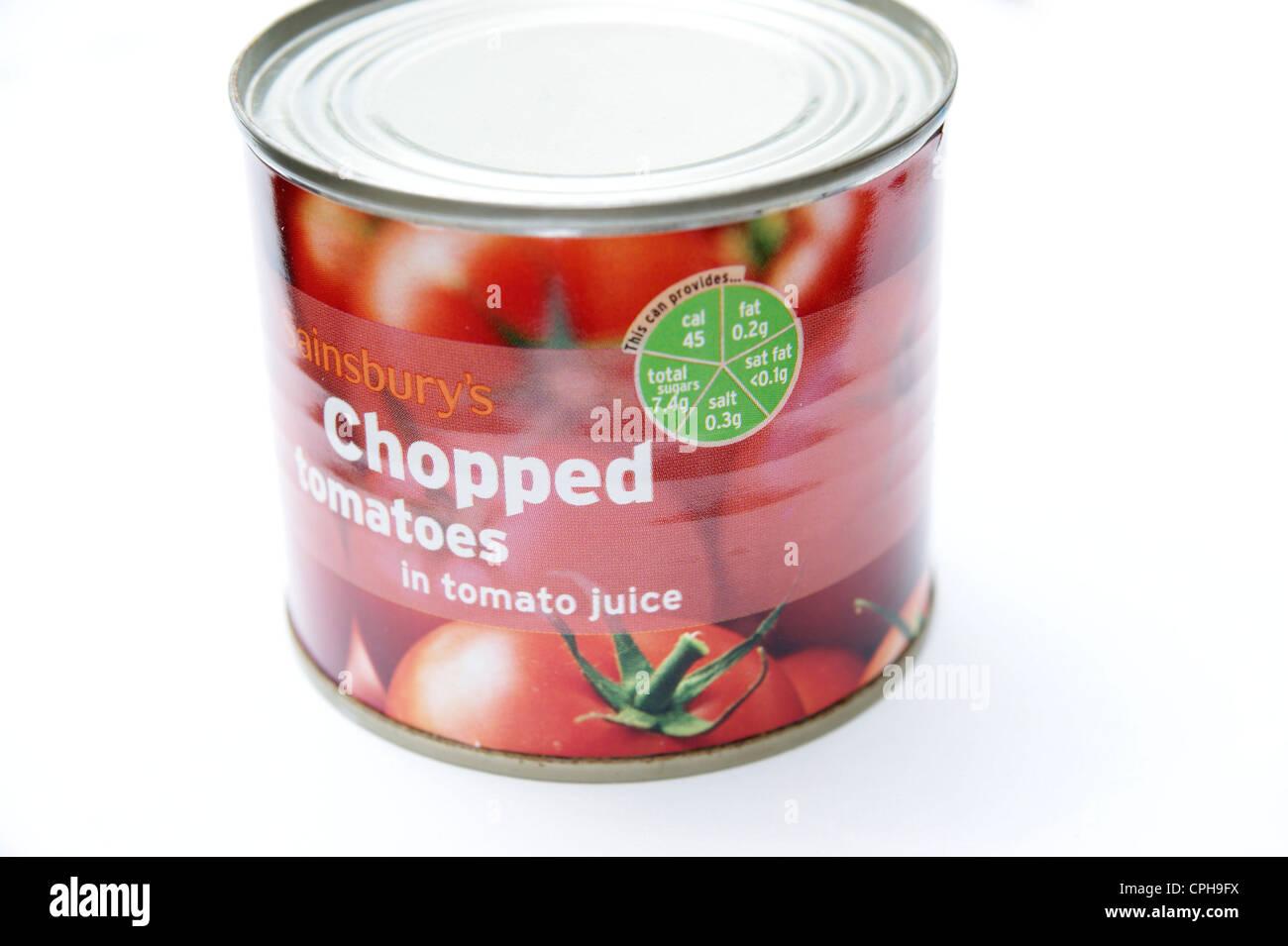 Sistema de luces de tráfico de información nutricional directrices sobre una lata de tomates picados Sainsbury's Imagen De Stock
