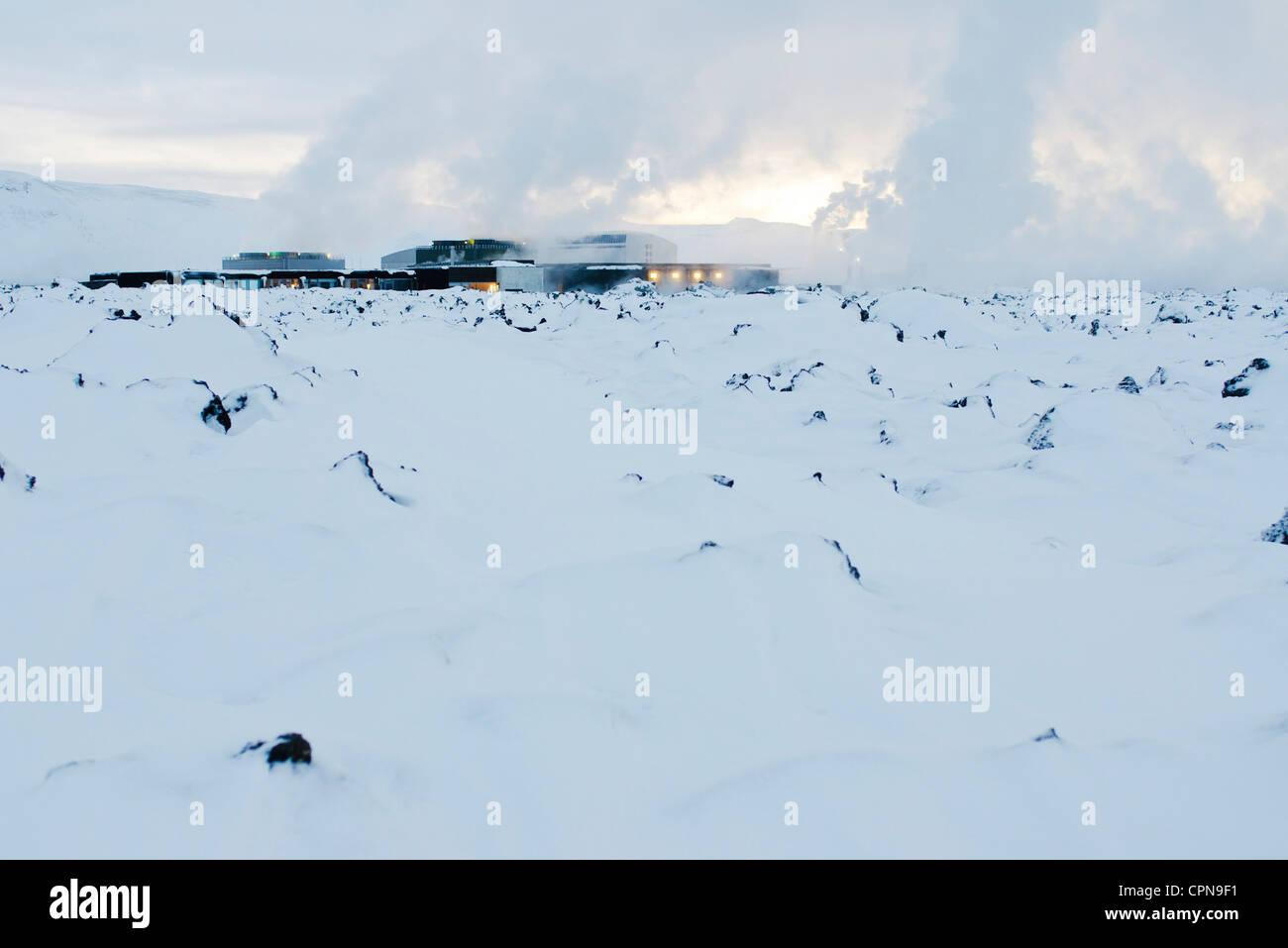 Islandia, península de Reykjanes, Laguna Azul, la estación de energía geotérmica Imagen De Stock
