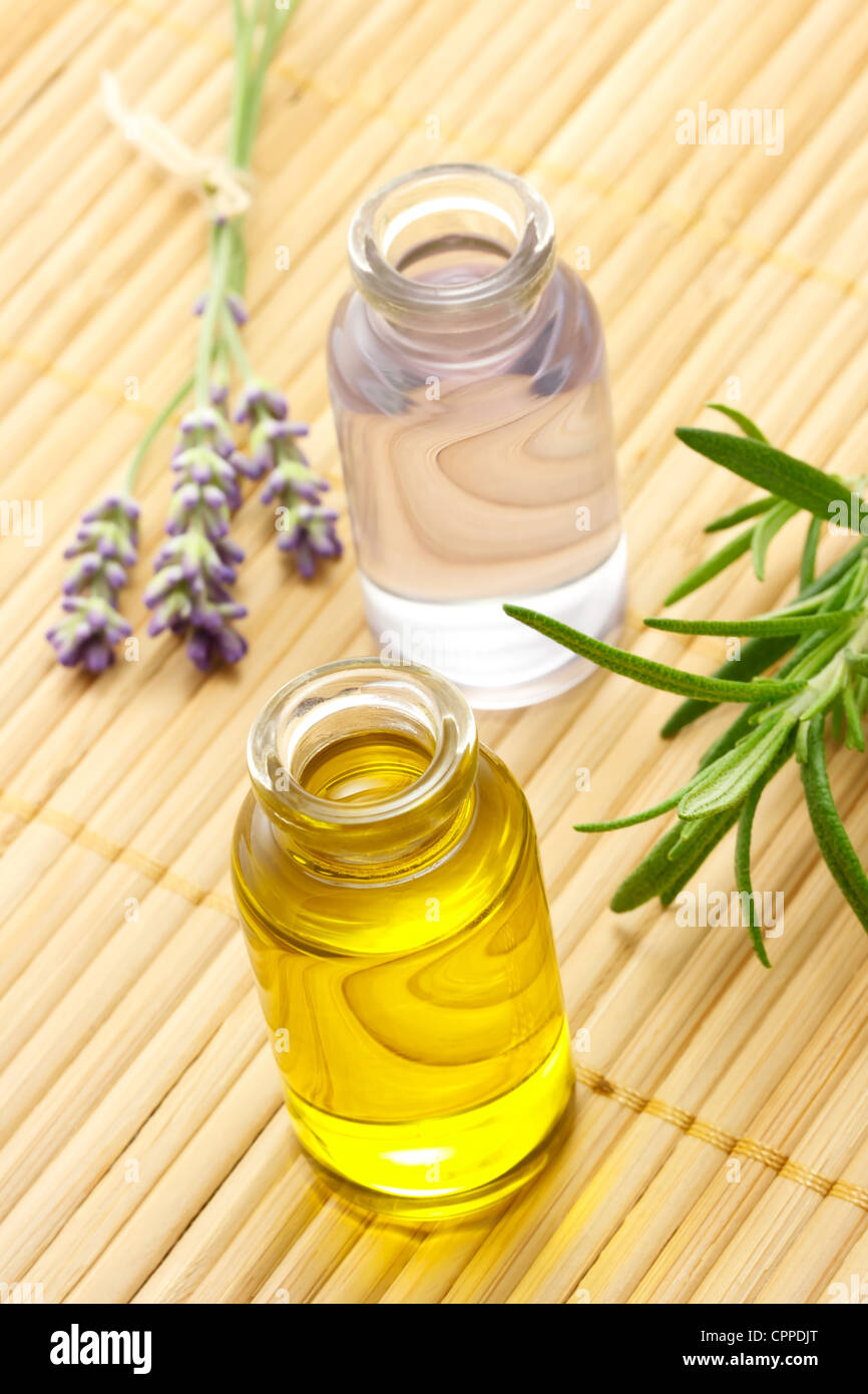 Aceites Esenciales Aromaterapia (tratamiento de spa) Imagen De Stock