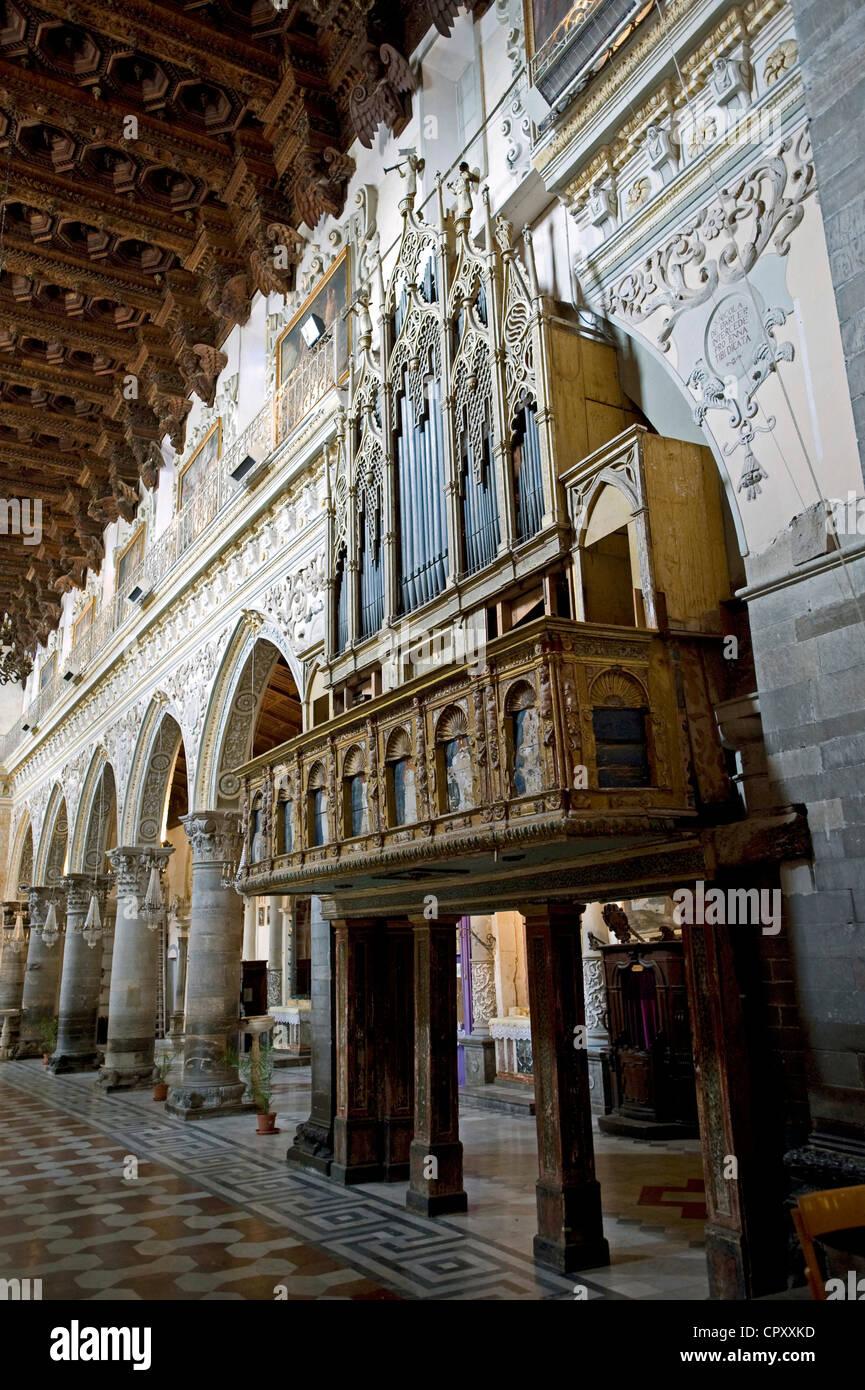 Italia, Sicilia, Enna, Duomo (catedral), órgano Imagen De Stock