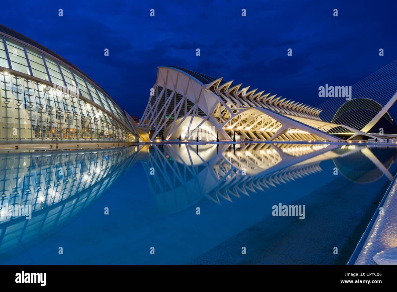 La ciudad de Las Artes y Las Ciencias diseñado por Santiago Calatrava, Valencia, España Imagen De Stock