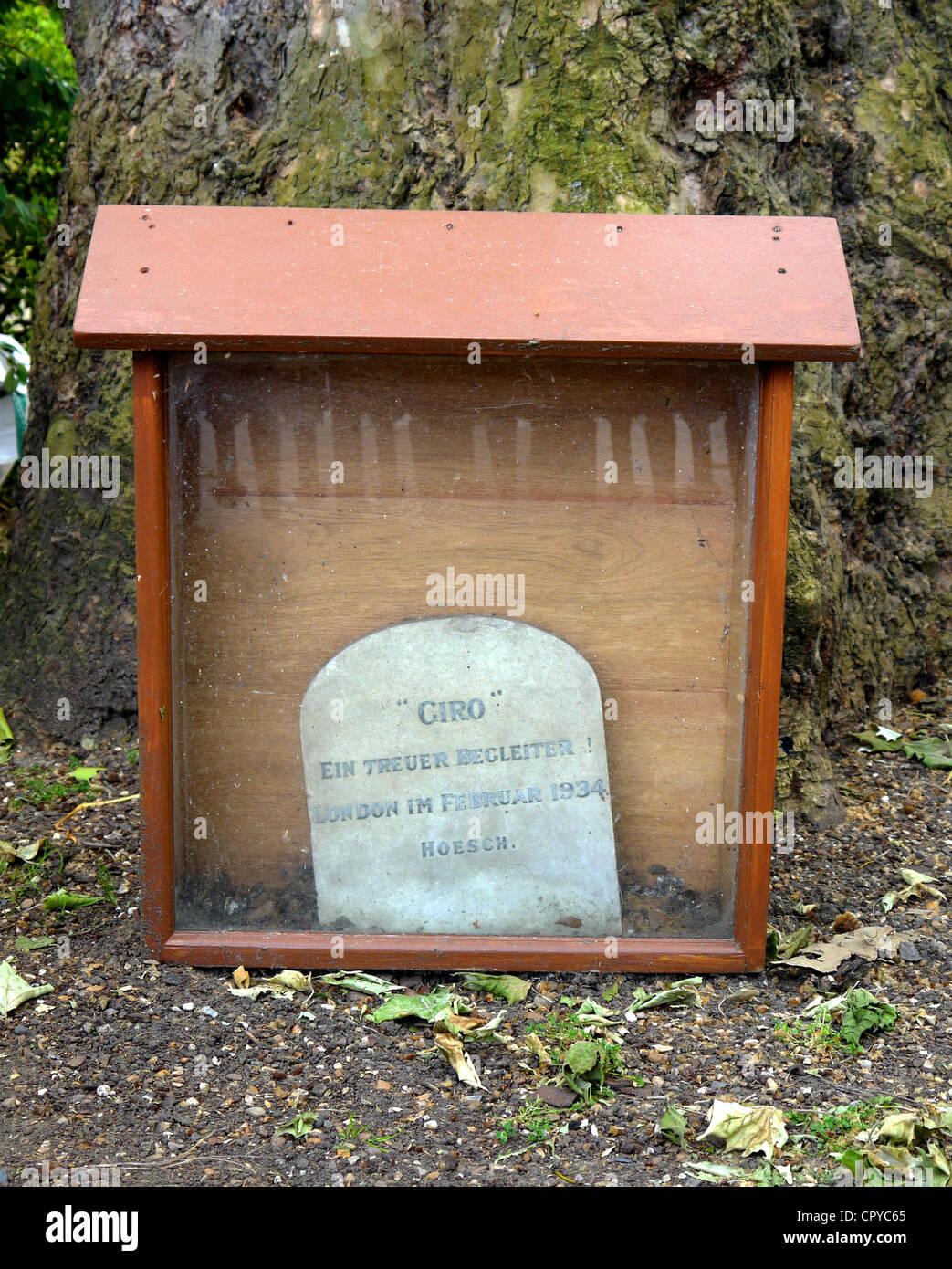 Giro el perro Nazi es el único monumento nazi alemán en Londres. Imagen De Stock