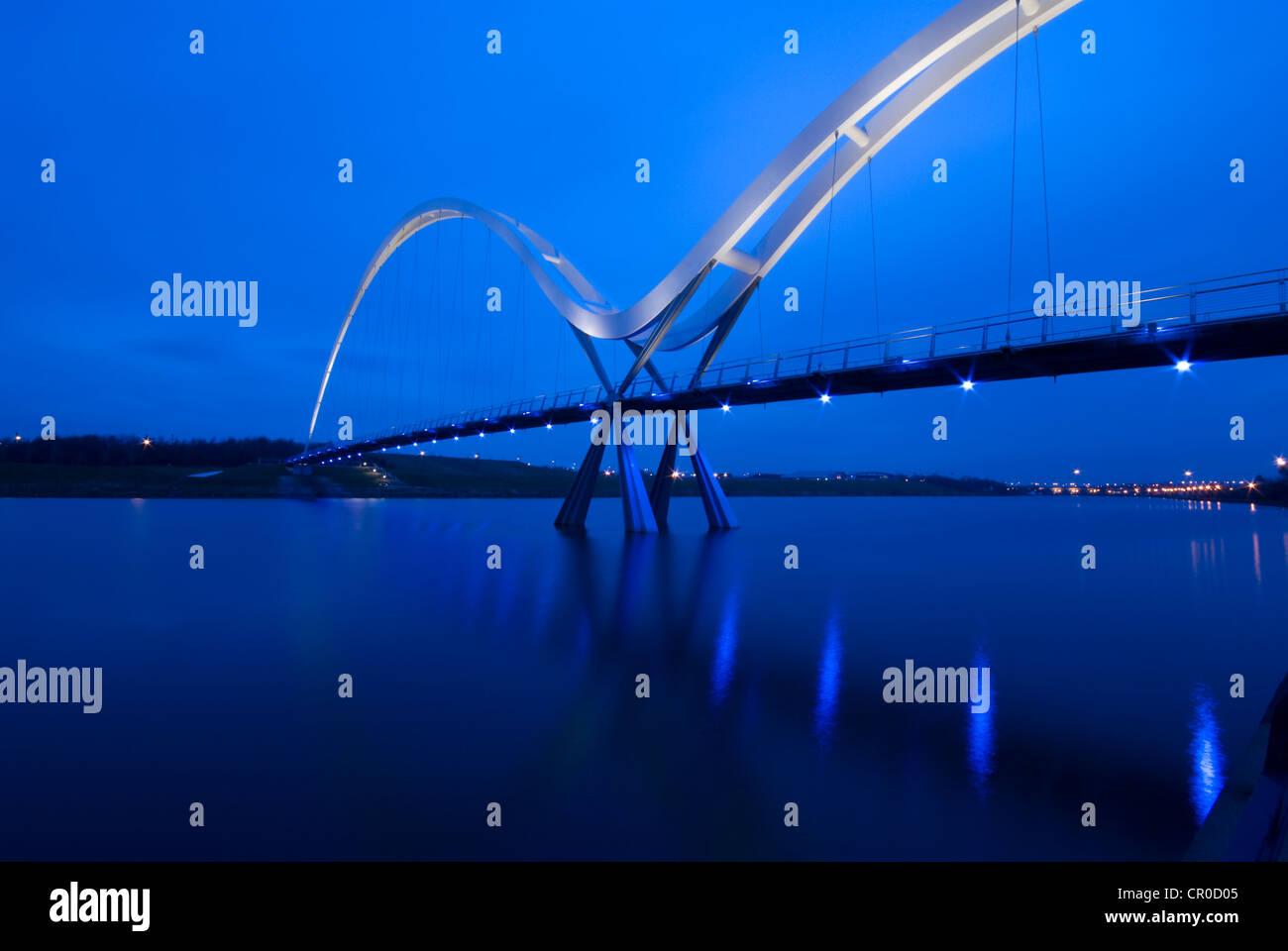 Puente de infinito, Stockton on Tees, Cleveland. Reino Unido GB Foto de stock