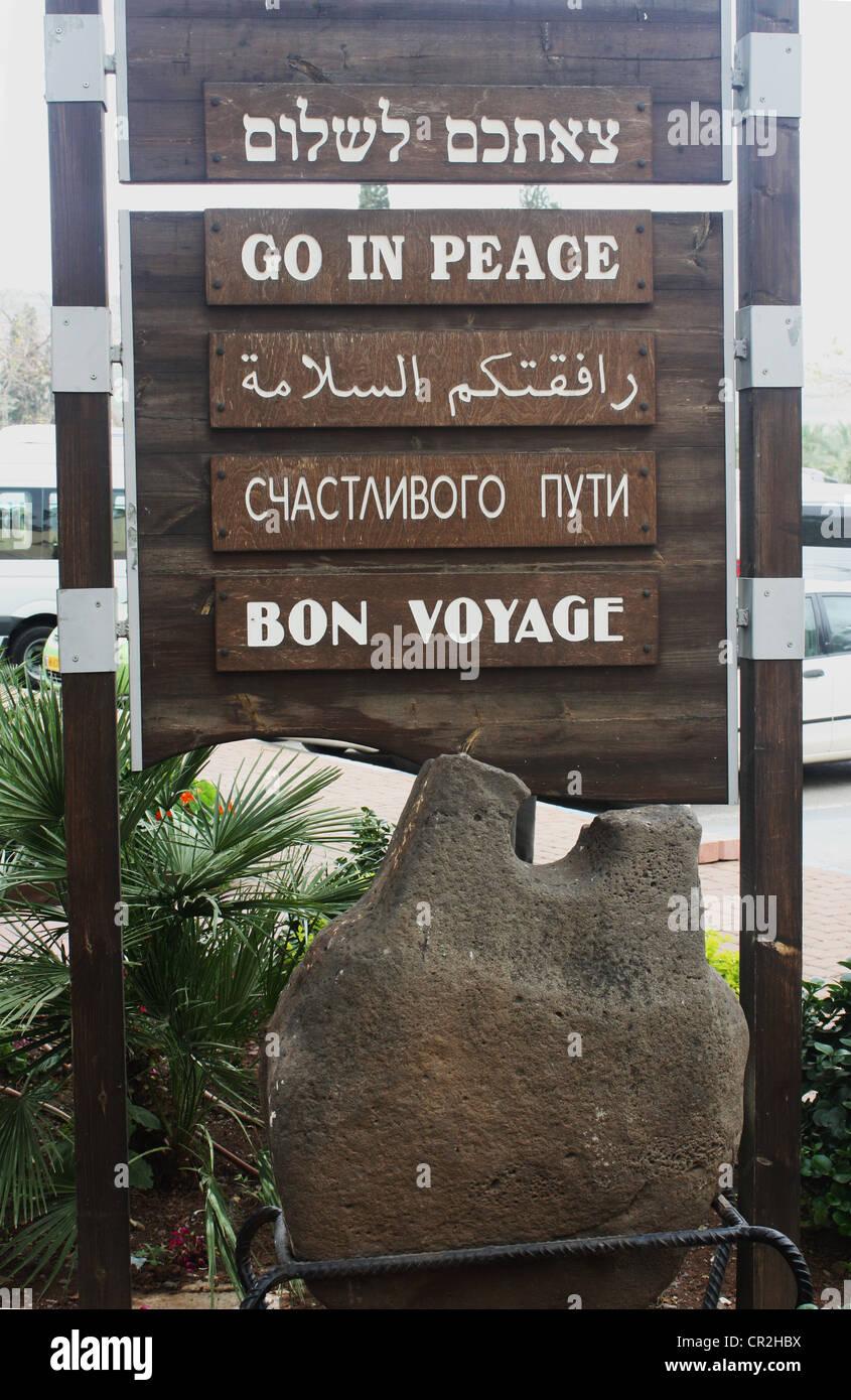 """Tablones de despedida de un hotel turista ' Bon Voyage"""" Imagen De Stock"""