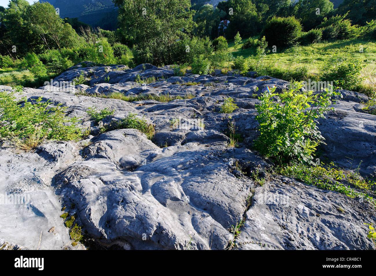 Las estrías glaciales patrones en rocas, Fischbach, Flintsbach, Alta Baviera, Baviera, Alemania, Europa Imagen De Stock