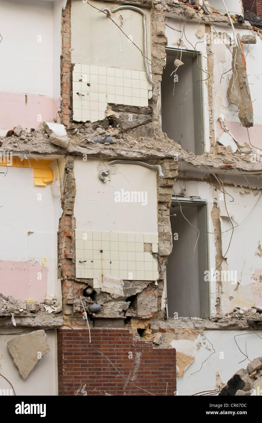 La demolición de la casa, paredes todavía en pie, Bonn, Alemania, Europa Imagen De Stock