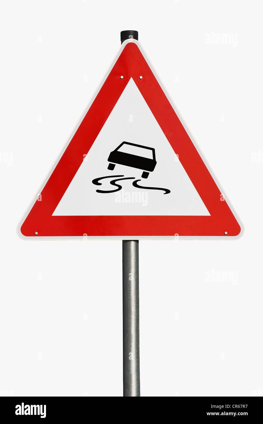 Señal de tráfico, señal de advertencia, el resbaladizo camino Imagen De Stock