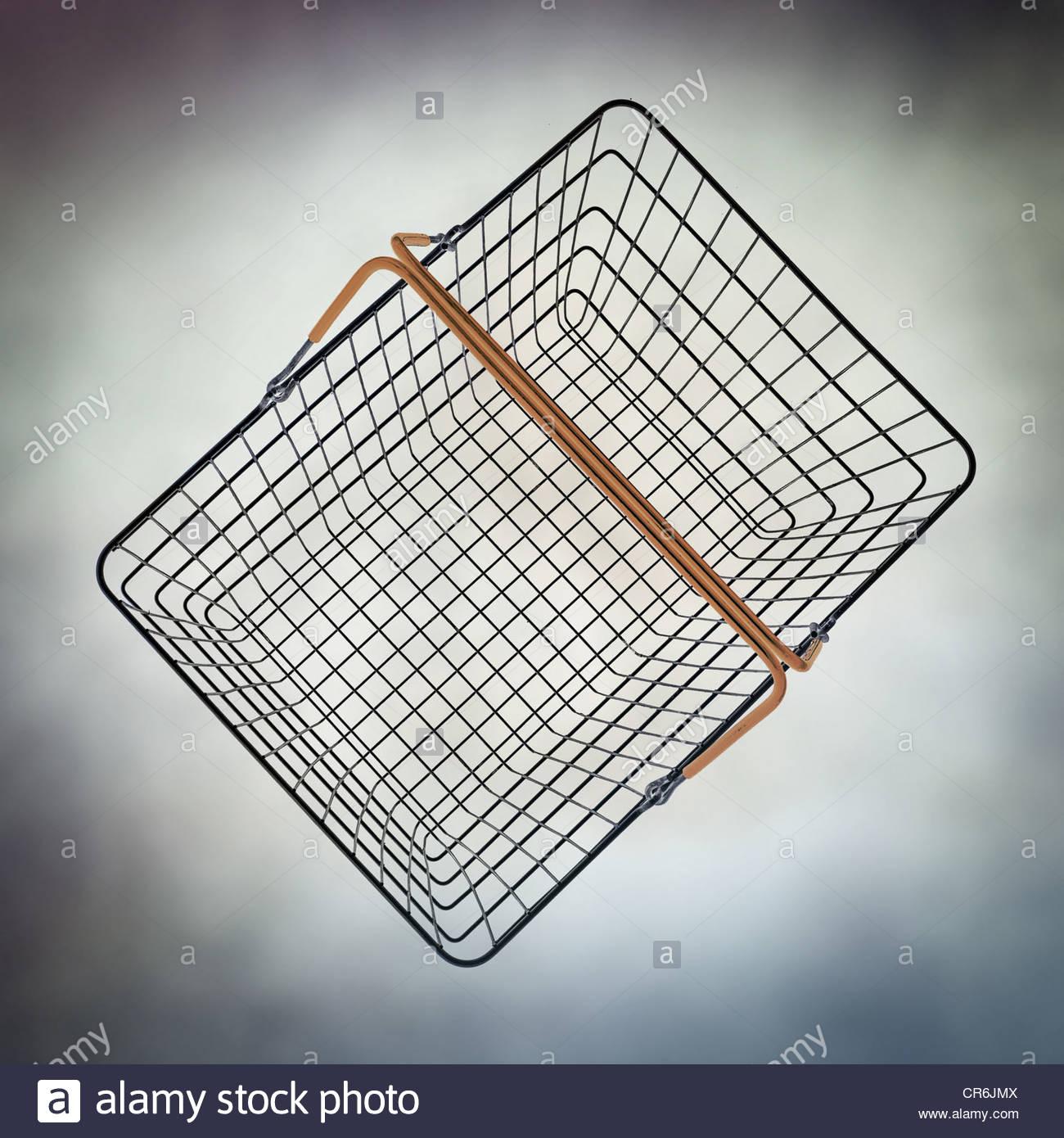 Cesta de alambre de vacío Imagen De Stock