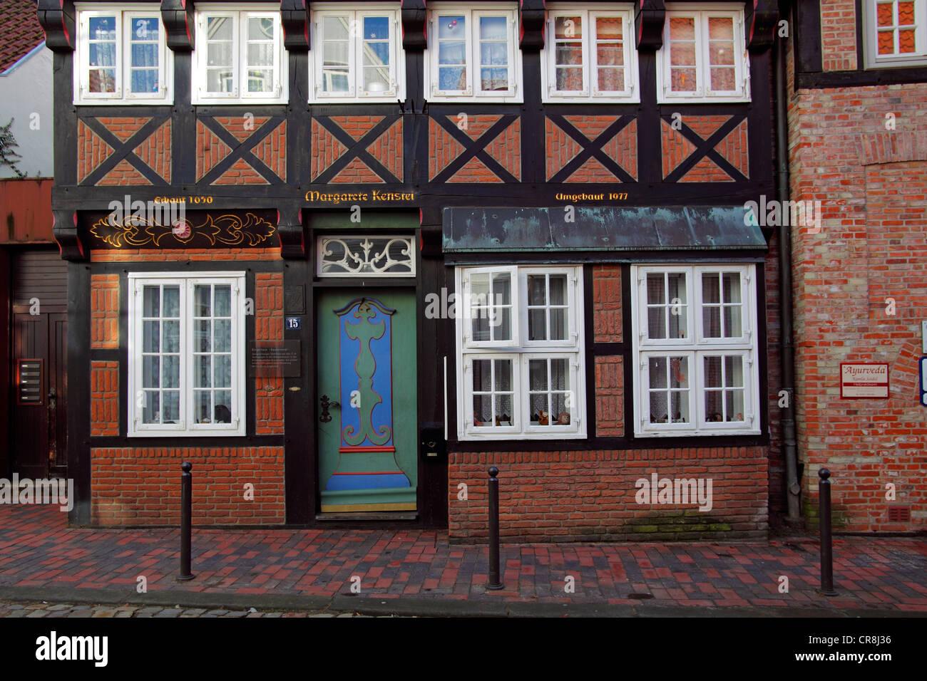 Casa histórica del siglo XVII, enmarcado de madera casa de madera ...
