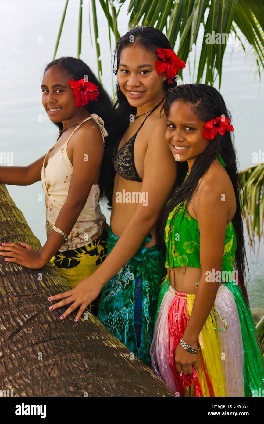Palau girls