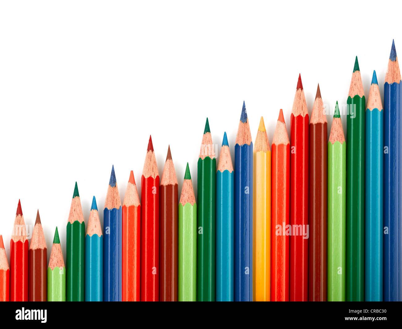 Gráfico que ilustra el aumento de negocios compuesto de lápices de colores Imagen De Stock