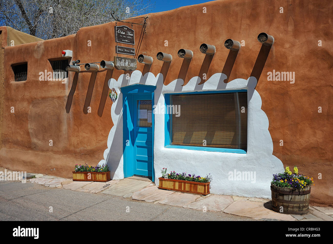Arquitectura de adobe, Santa Fe, Nuevo México, EE.UU. Imagen De Stock