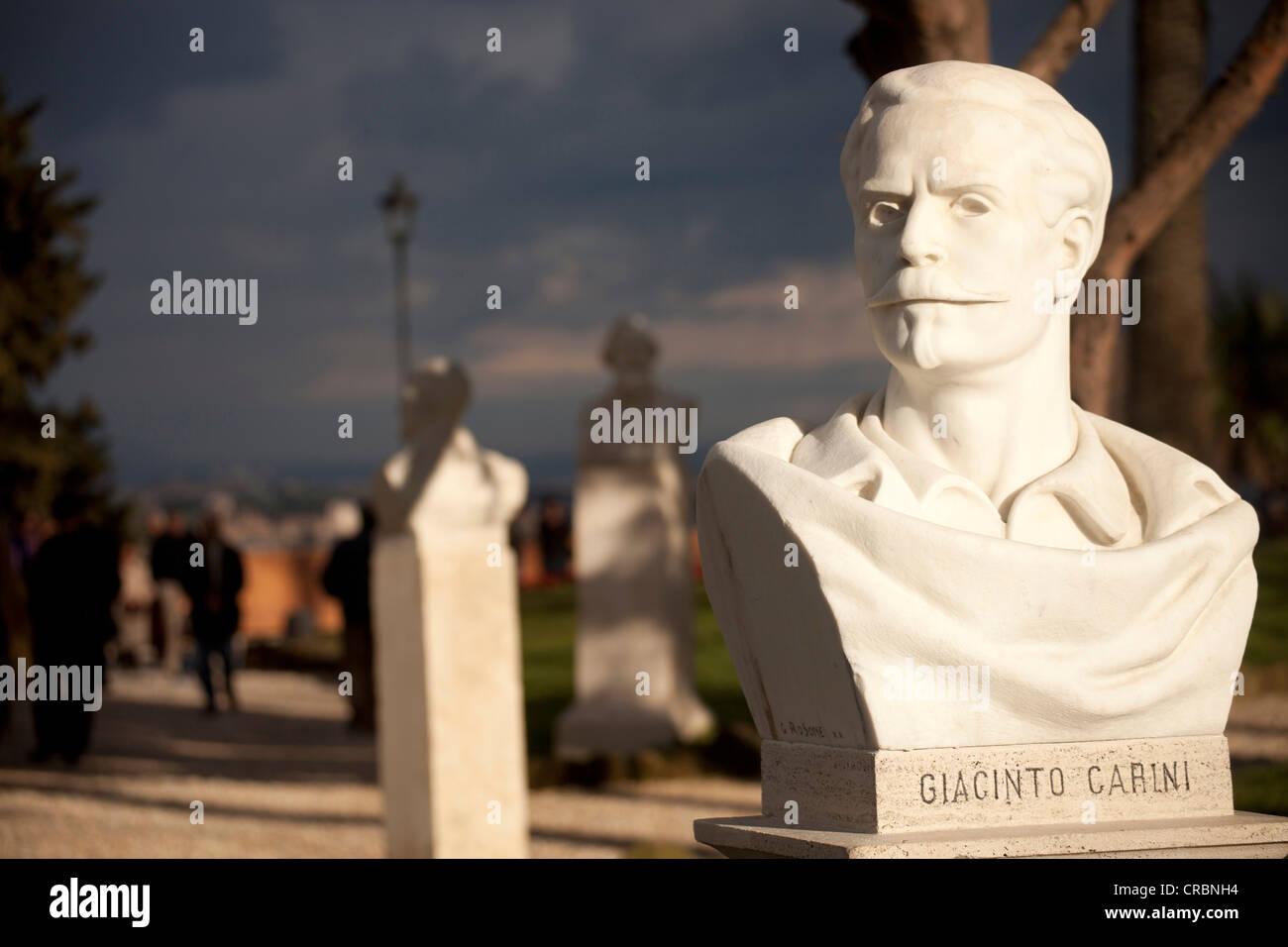 Busto del político, Giacinto Carini, en el parque de la colina de Gianicolo, Roma, Italia, Europa Imagen De Stock