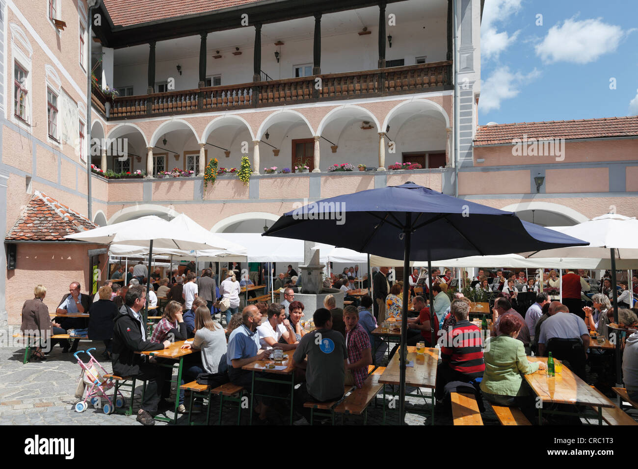 Festival de música en el patio del castillo Schloss Rossatz Wachau, Baja Austria, Austria, Europa Imagen De Stock