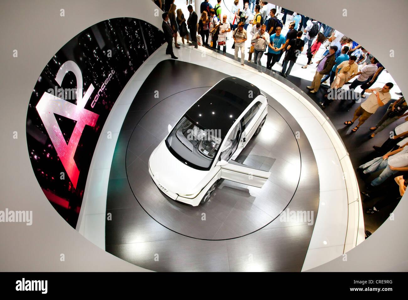 Estudio y estreno mundial del Audi A2 concept, Audi AG, 64º Salón Internacional del Automóvil IAA Imagen De Stock