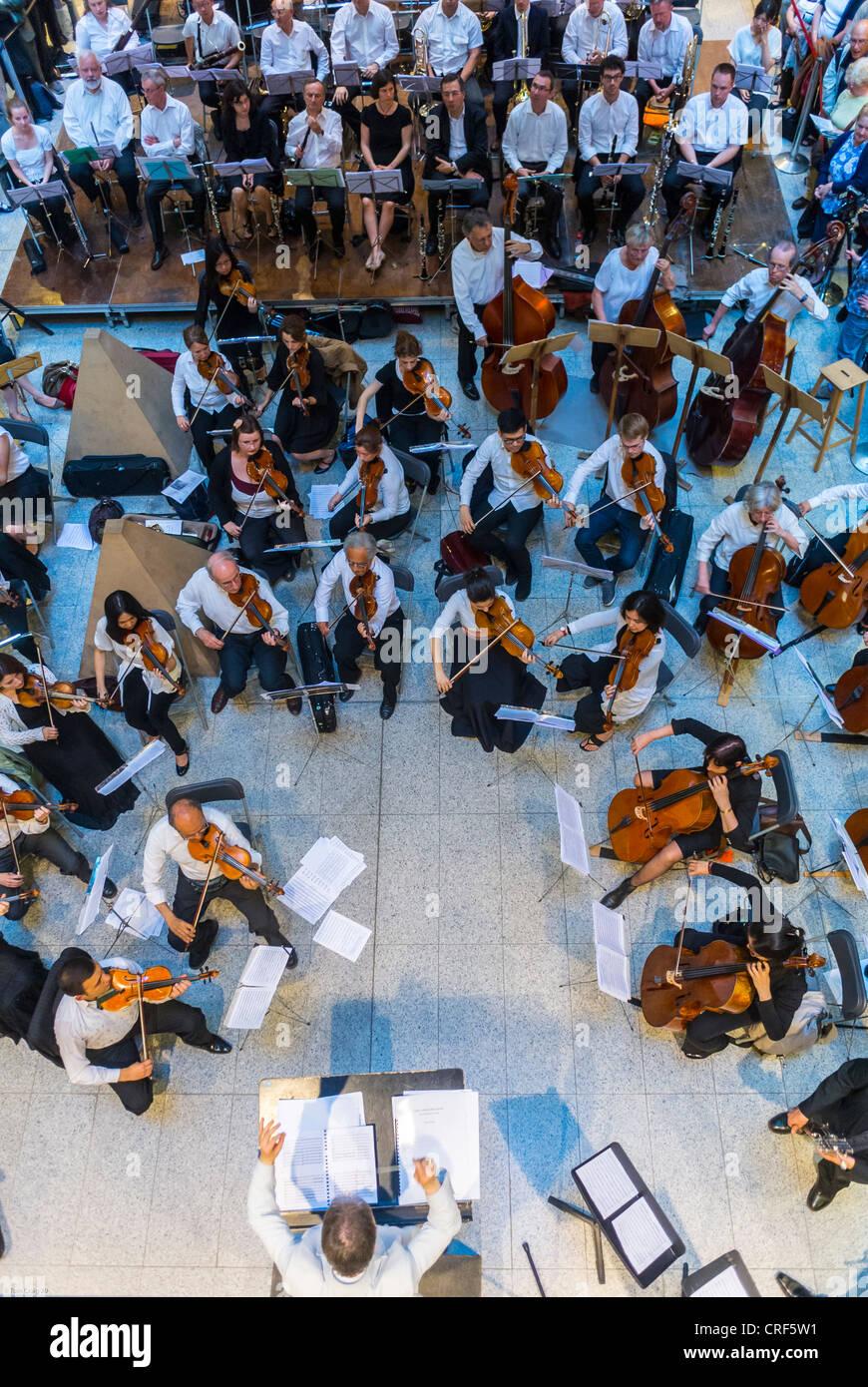 """París, Francia, Vista aérea, de la estación de tren Gare Saint Lazare, Festival de Música Nacional, """"Fete de la Foto de stock"""