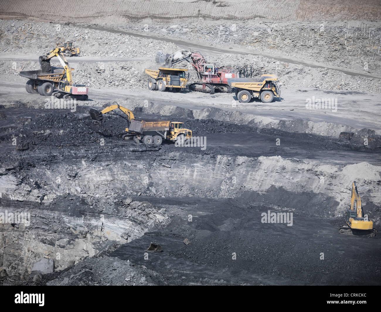 Los trabajos de construcción en mina de carbón Foto de stock