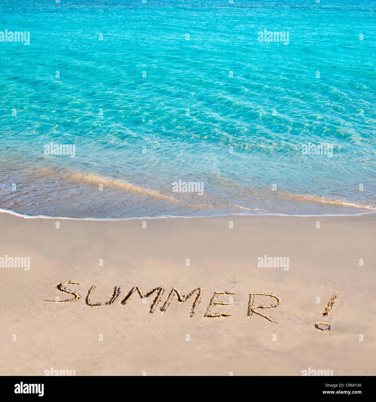 Caribe playa tropical con Verano palabra escrita en la arena Imagen De Stock