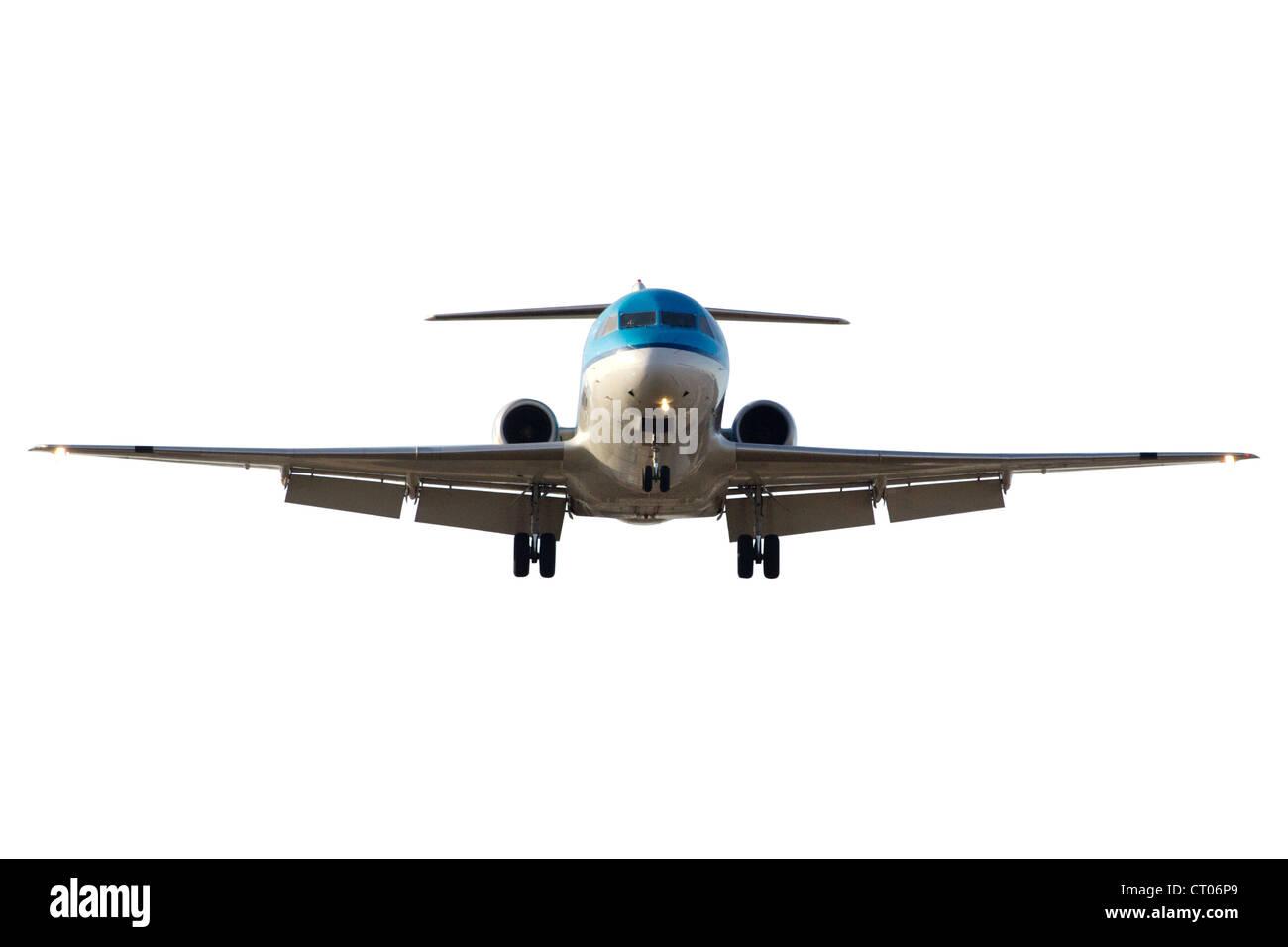 Vista frontal de un avión aterrizando. Aislada con trazado de recorte Imagen De Stock