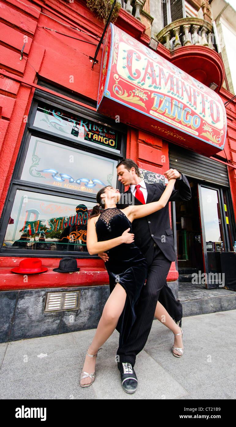 Tango bailarines callejeros fuera del Caminito Buenos Aires Argentina América del Sur Imagen De Stock