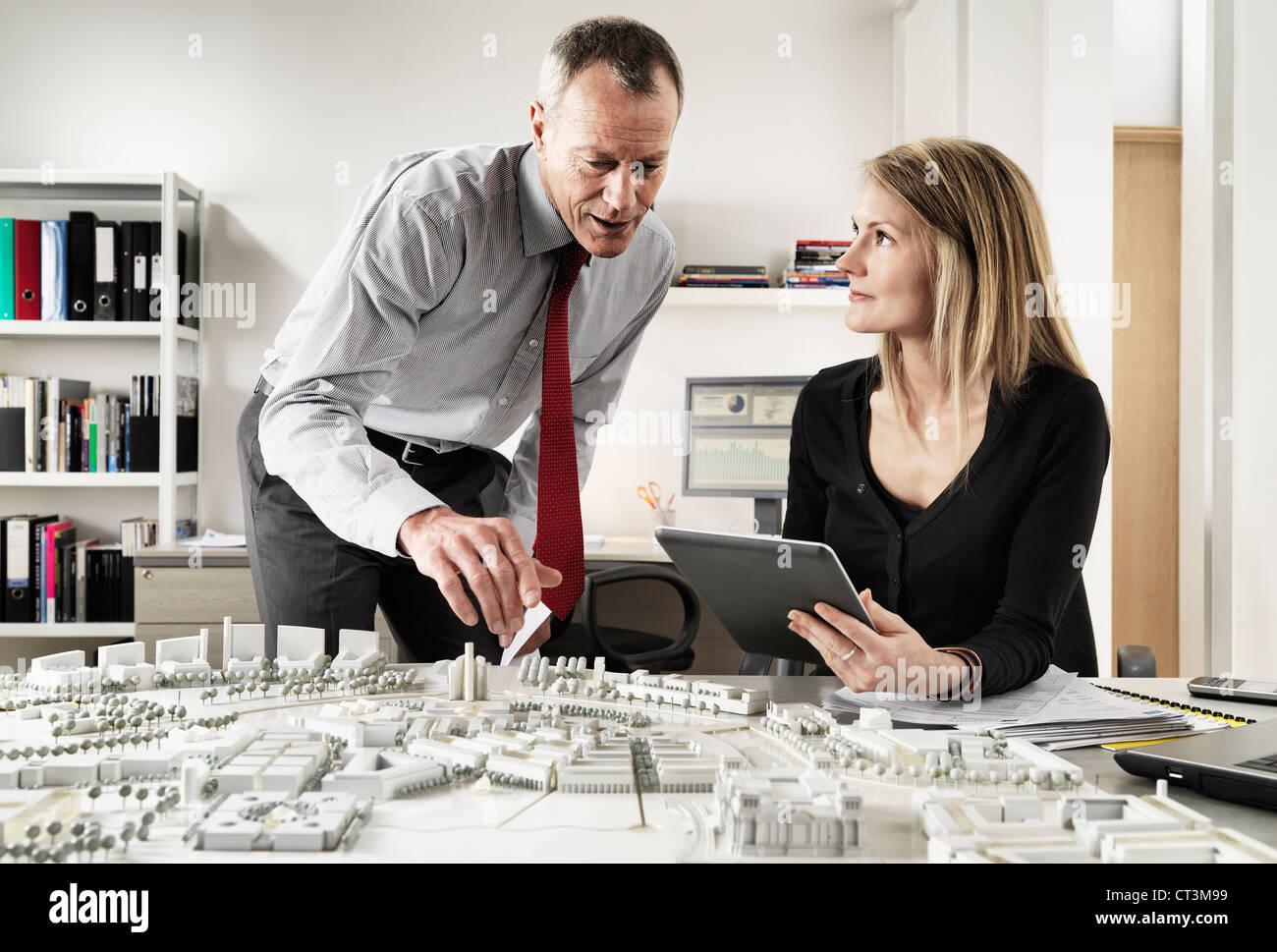 Las personas que trabajan en la oficina de negocios Imagen De Stock