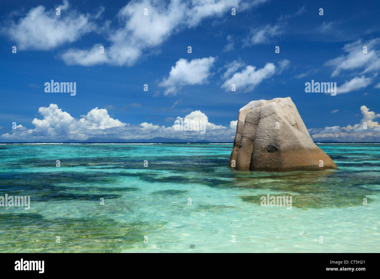 Anse Source d'Argent, La Digue, Seychelles, el Océano Índico en La Digue de las Seychelles Imagen De Stock