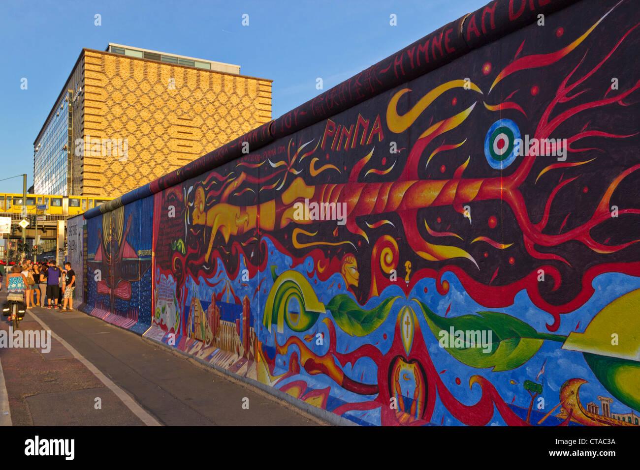 Mural de Berlín, East Side Gallery, Berlín, Alemania, Europa Imagen De Stock