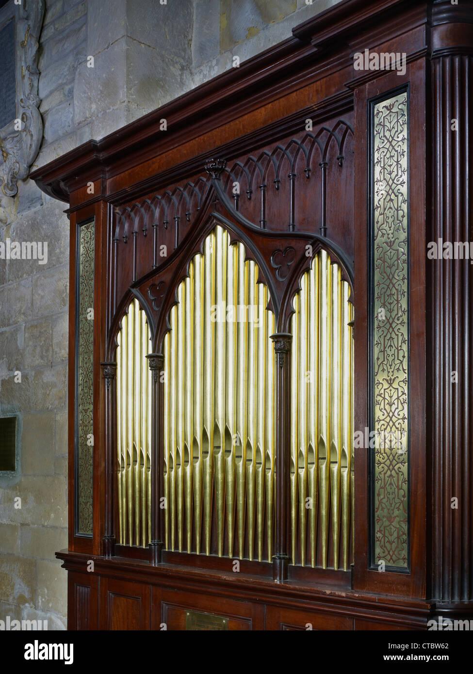 La Abadía de Tewkesbury, pequeño órgano del siglo XVIII. Imagen De Stock