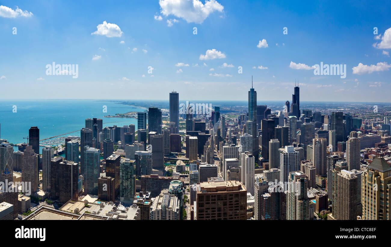El horizonte de la ciudad, mirando al sur desde el observatorio de John Hancock Center, N Michigan Avenue, Chicago, Imagen De Stock