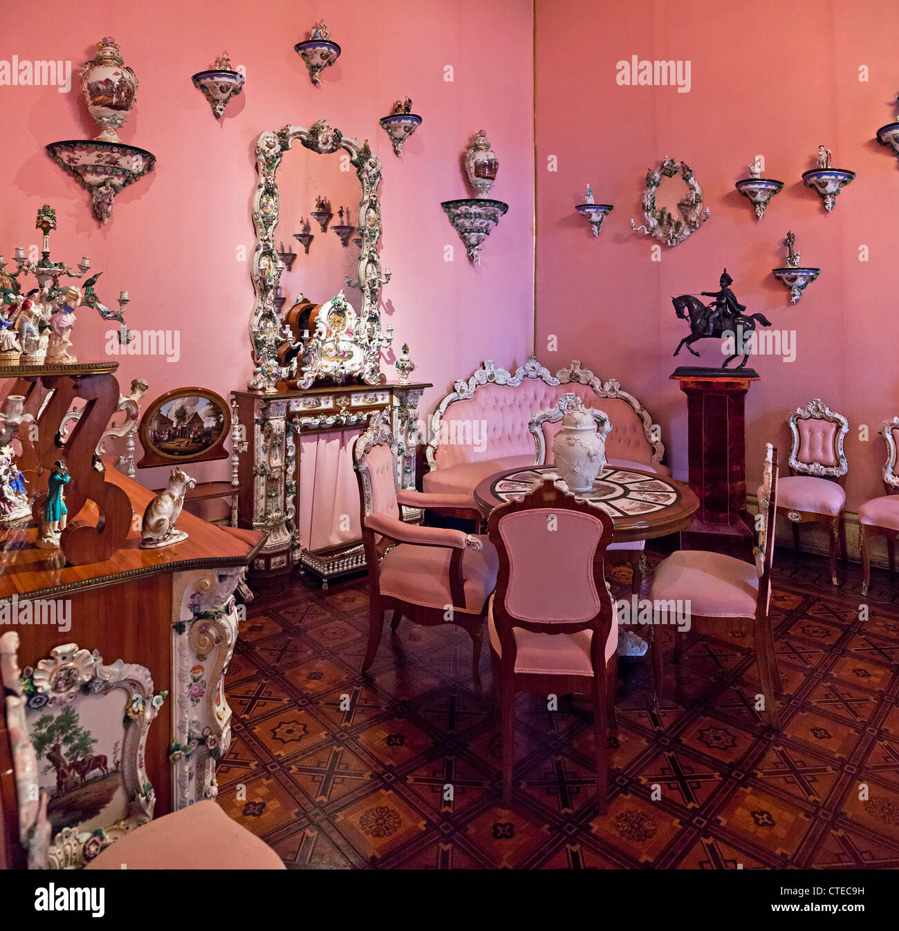 Saxe Room Imágenes De Stock & Saxe Room Fotos De Stock - Alamy