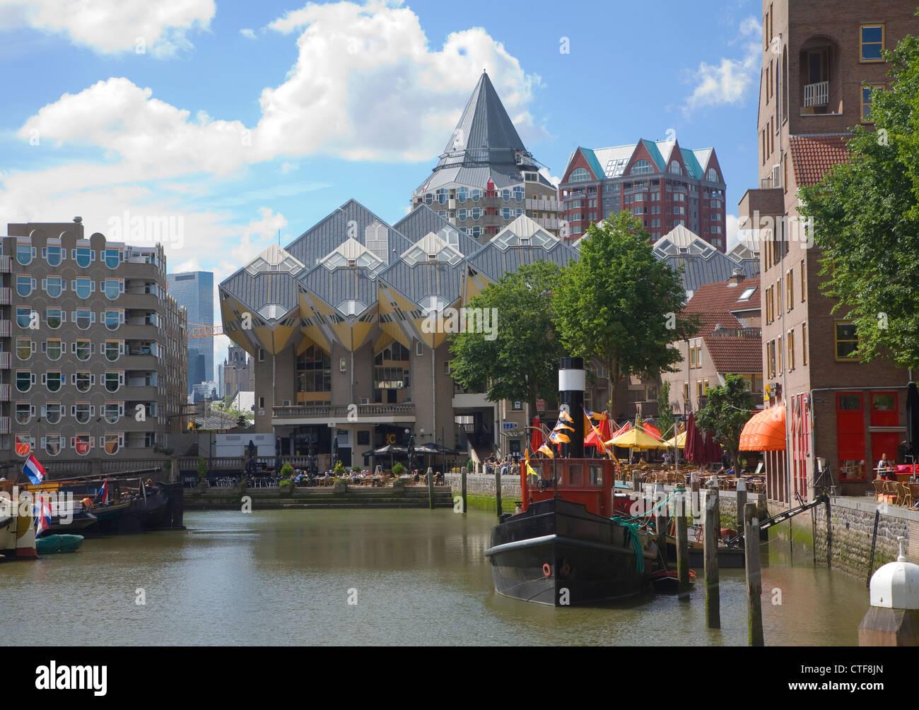 Barcos históricos y del paseo marítimo, restaurantes, Oude Haven, Rotterdam, Países Bajos Imagen De Stock