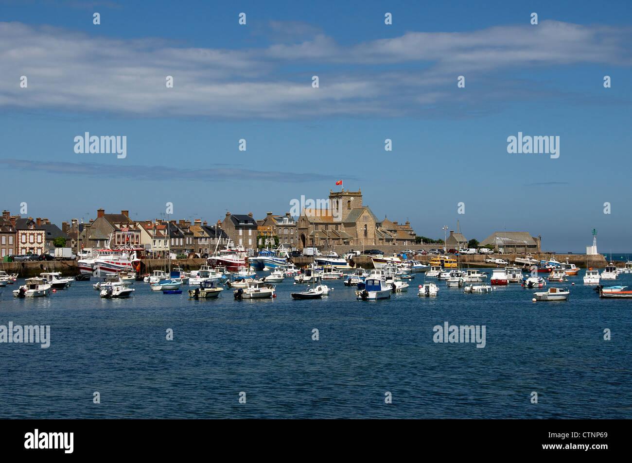 Barfleur Cherbourg la península de Normandía Francia Foto de stock